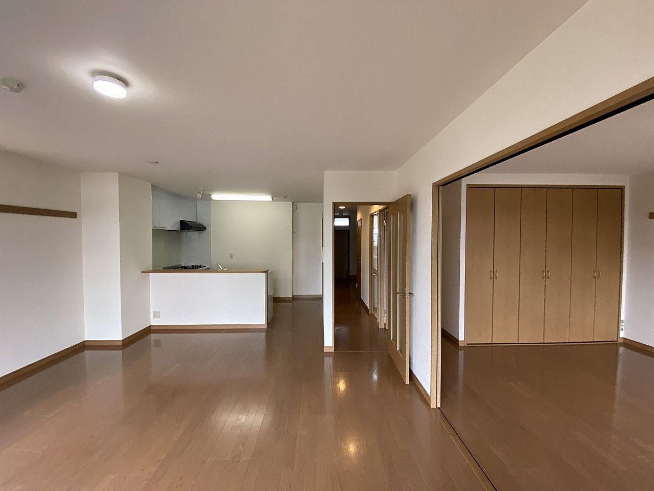 分譲並みの賃貸マンション!外断熱工法!管理が、とても行き届いたマンションです。巨大な床下収納で階下に音が響きにくい作りです!外断熱工法!管理良好!フェアライフあざみ野・物件概要・所在地:横浜市青葉…