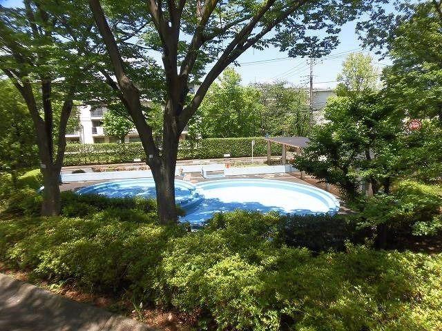たまプラーザ団地ジャブジャブ池(幼児用プール)