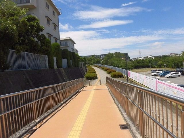 たまプラーザ駅前第2歩道橋