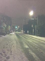 たまプラーザの雪道の様子です。