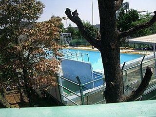 美しが丘小学校のプール