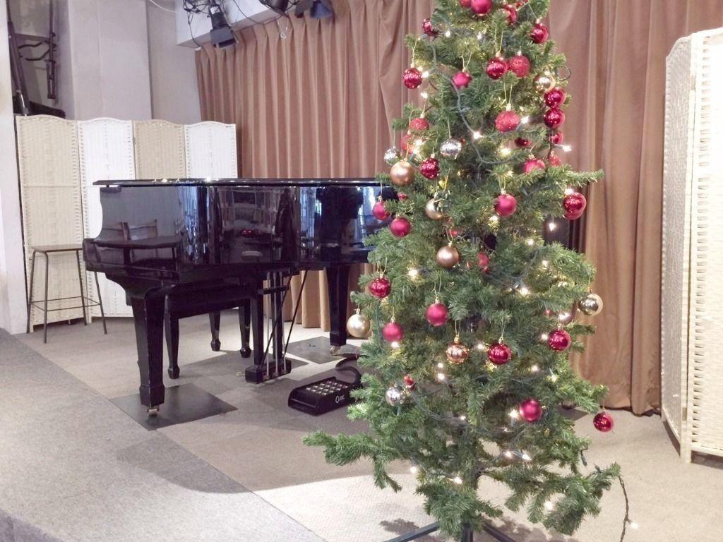3丁目カフェ様の大野様からクリスマス・ツリーのお写真をいただきました。さすが、立派なツリーですね!皆様、ご愛顧ください!