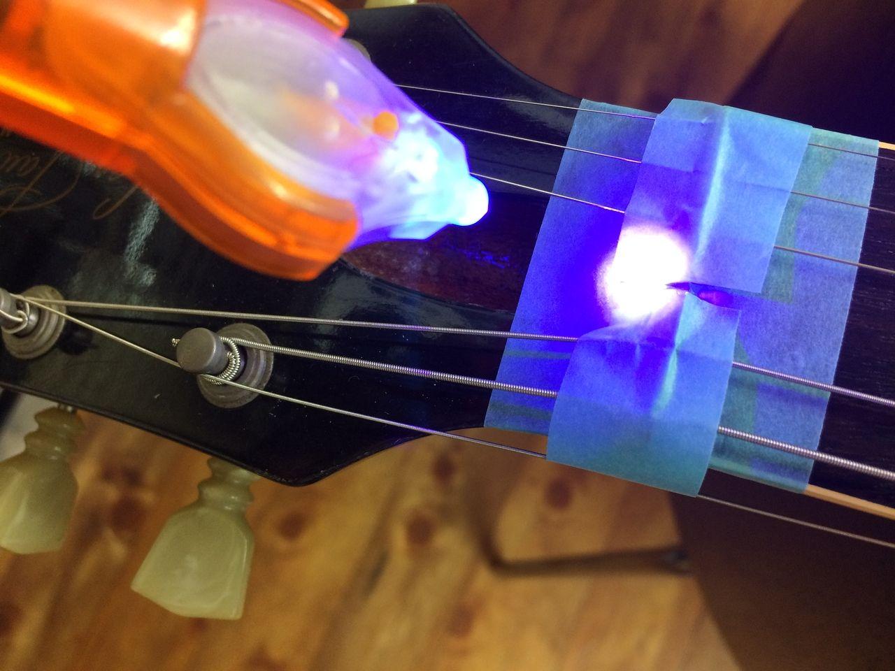 ギターのナットの溝切り