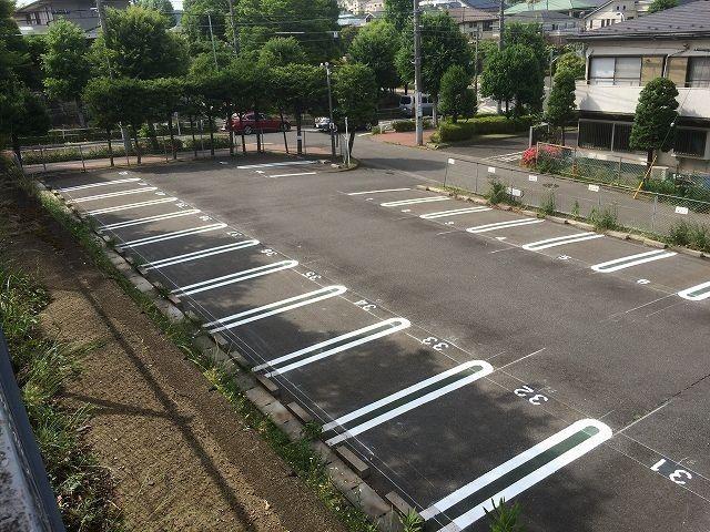 たまプラーザ団地・敷地内駐車場