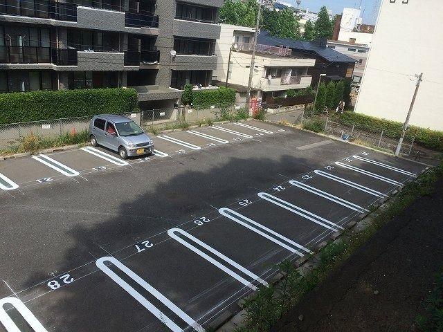 たまプラーザ団地・駐車場 A駐車場