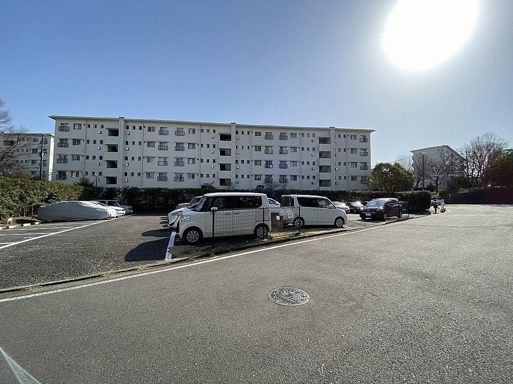 たまプラーザ団地・敷地内駐車場・K駐車場