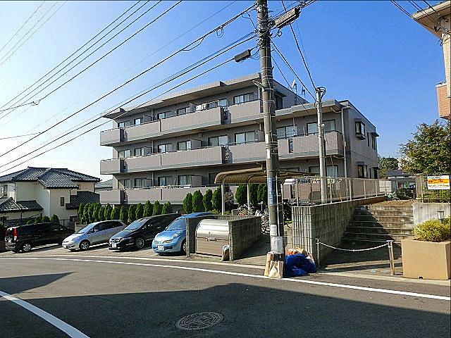 横浜市青葉区美しが丘4-22-5の「アドバンスヴィラ」の【建物外観】