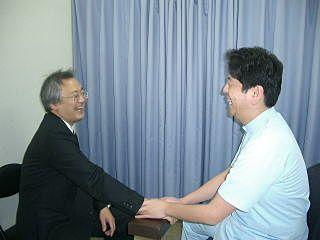 すすきの接骨院の松本院長の診療中の様子です。