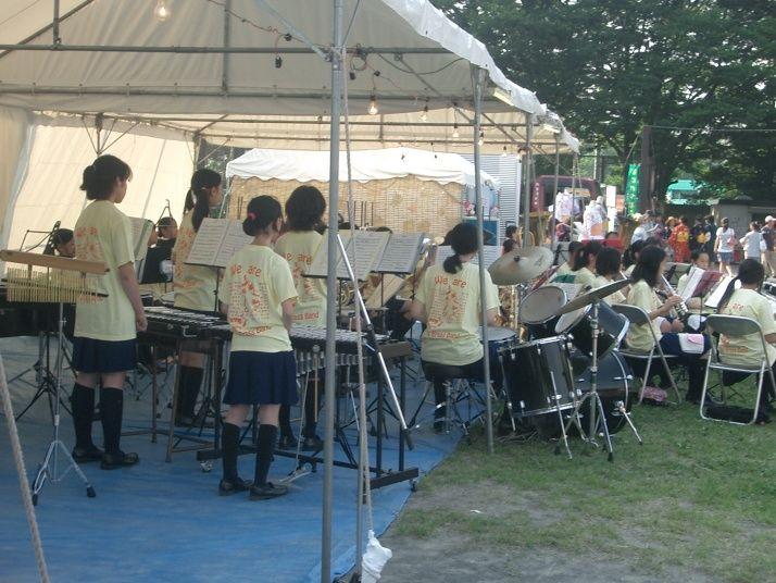 2010年たまプラーザ夏まつり 盆踊り会場(美しが丘公園・グラウンド) 美しが丘・中学吹奏樂部