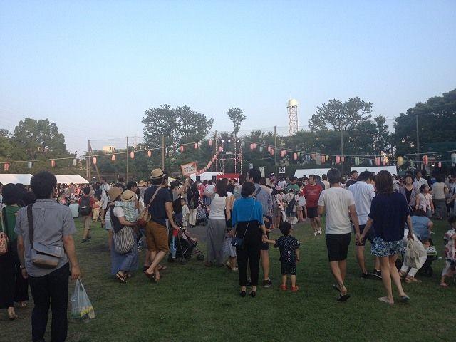 たまプラーザ夏まつり・盆踊り会場(美しが丘公園)の様子です。