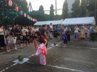 たまプラーザ夏まつり・盆踊り会場(美しが丘公園)のスイカ割り