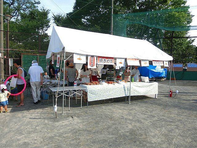 2015年のたまプラーザ夏まつりの盆踊り会場(美しが丘公園)の様子です。