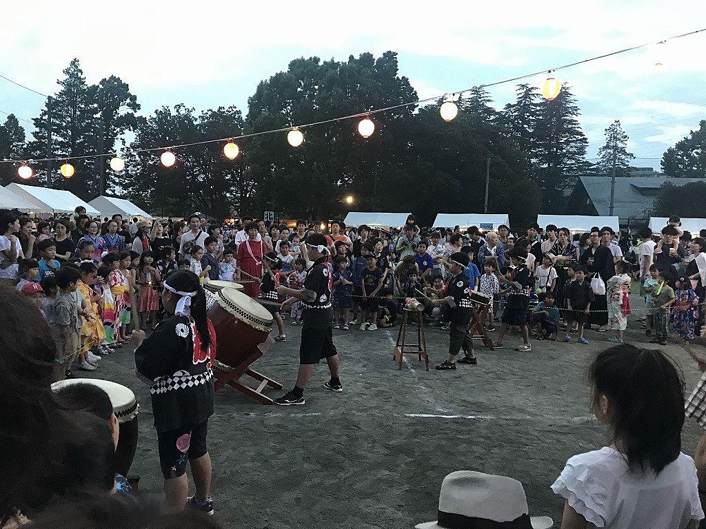 2019年たまプラーザ夏まつり盆踊り会場の夜の様子(美しが丘公園・グラウンド)