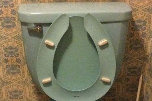 1975年のトイレのタンク