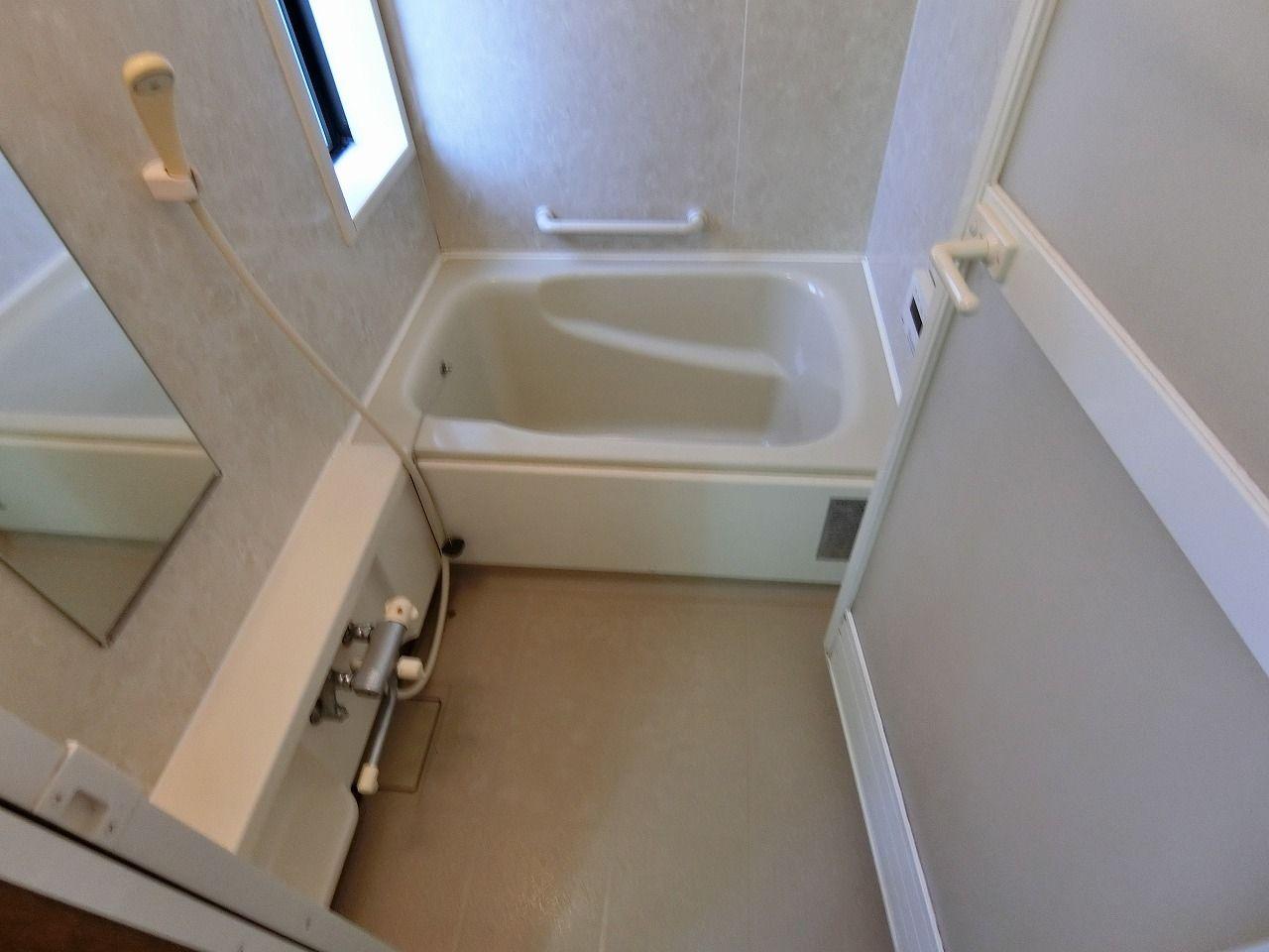 「パークテラスあざみ野」E棟の浴室の様子です。