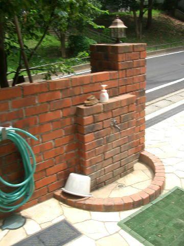「フェアライフあざみ野」の散水栓