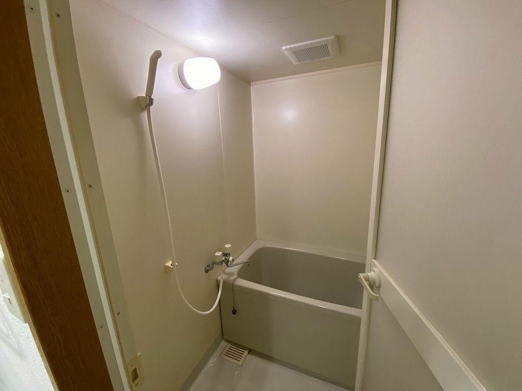 美しが丘4-22-5の賃貸マンションのアドバンスヴィラの浴室の水栓・シャワーです。