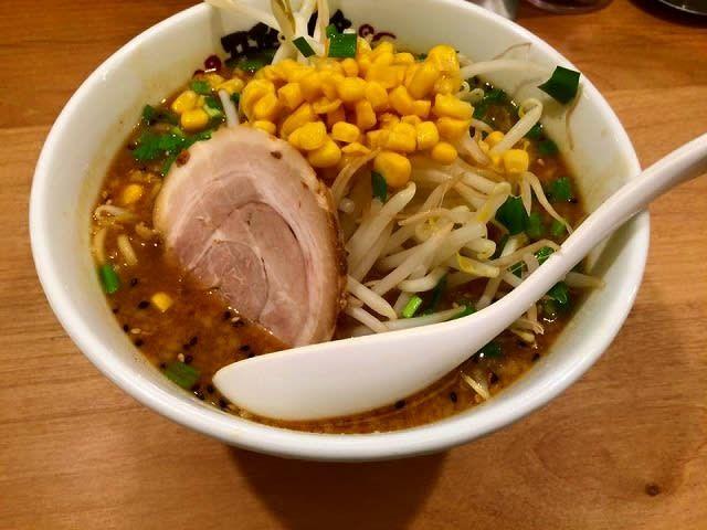 横浜市青葉区新石川2-15-1の雅楽 (ガラク)の味噌ラ―メン