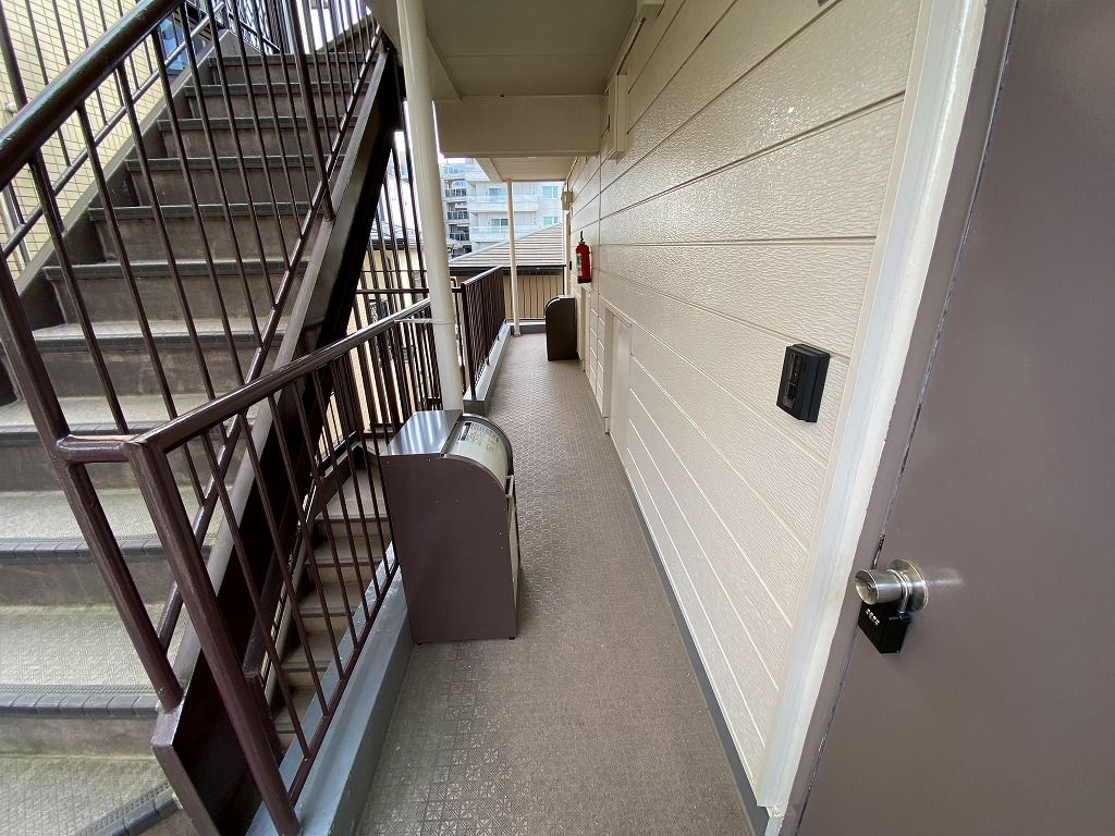 ペット相談可能のマンションの美しが丘パルの301号室の様子です。犬または猫が飼育可能なマンションで、犬の大きさ、複数匹もご相談可能な場合があります。各室に宅配ボックスが有ります、ペットフードの受け取りにも便利です。