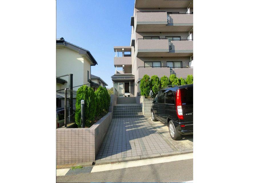 美しが丘4-22-5の賃貸マンションのアドバンスヴィラのエントランス