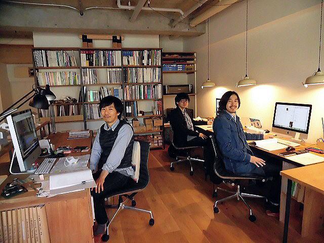 右から代表・小嶋良一氏/後藤瞬氏/宮田晃安氏/2016年4月12日撮影