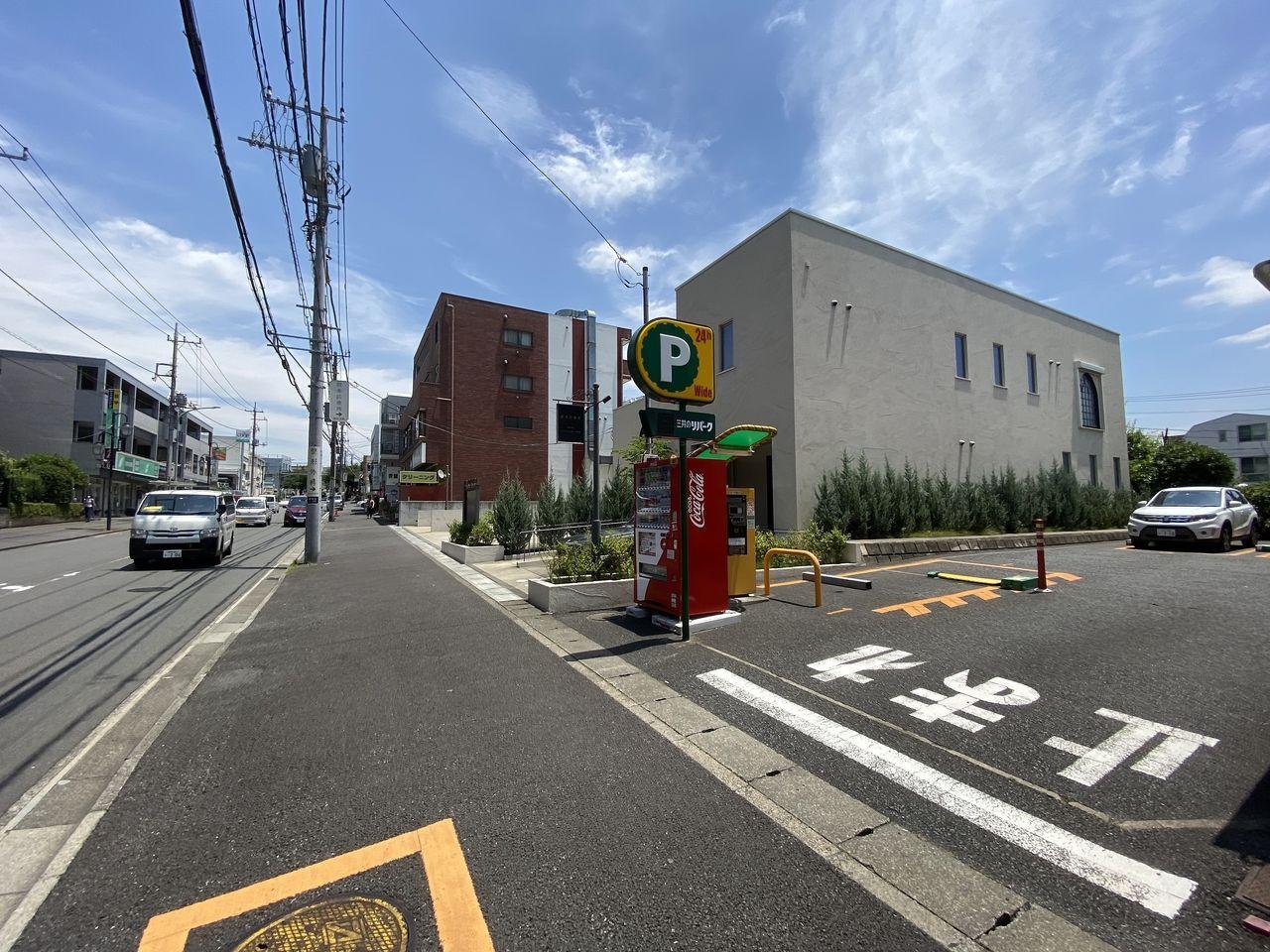 青葉台1丁目の三井のリパーク駐車場