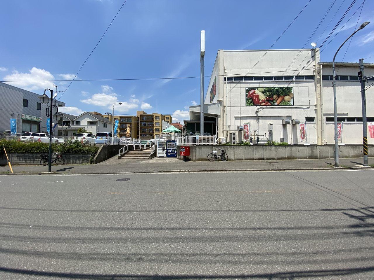 ユーコープ:桜台( 生活協同組合ユーコープ)の入口の様子です。