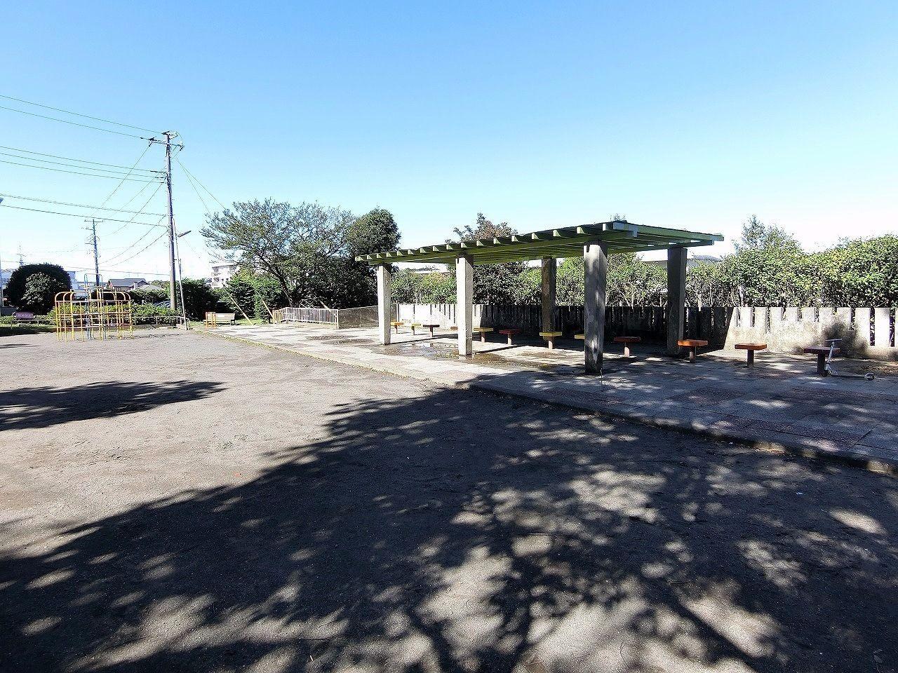 ドーナッツ公園・たまプラーザ団地(敷地内)・ベンチ