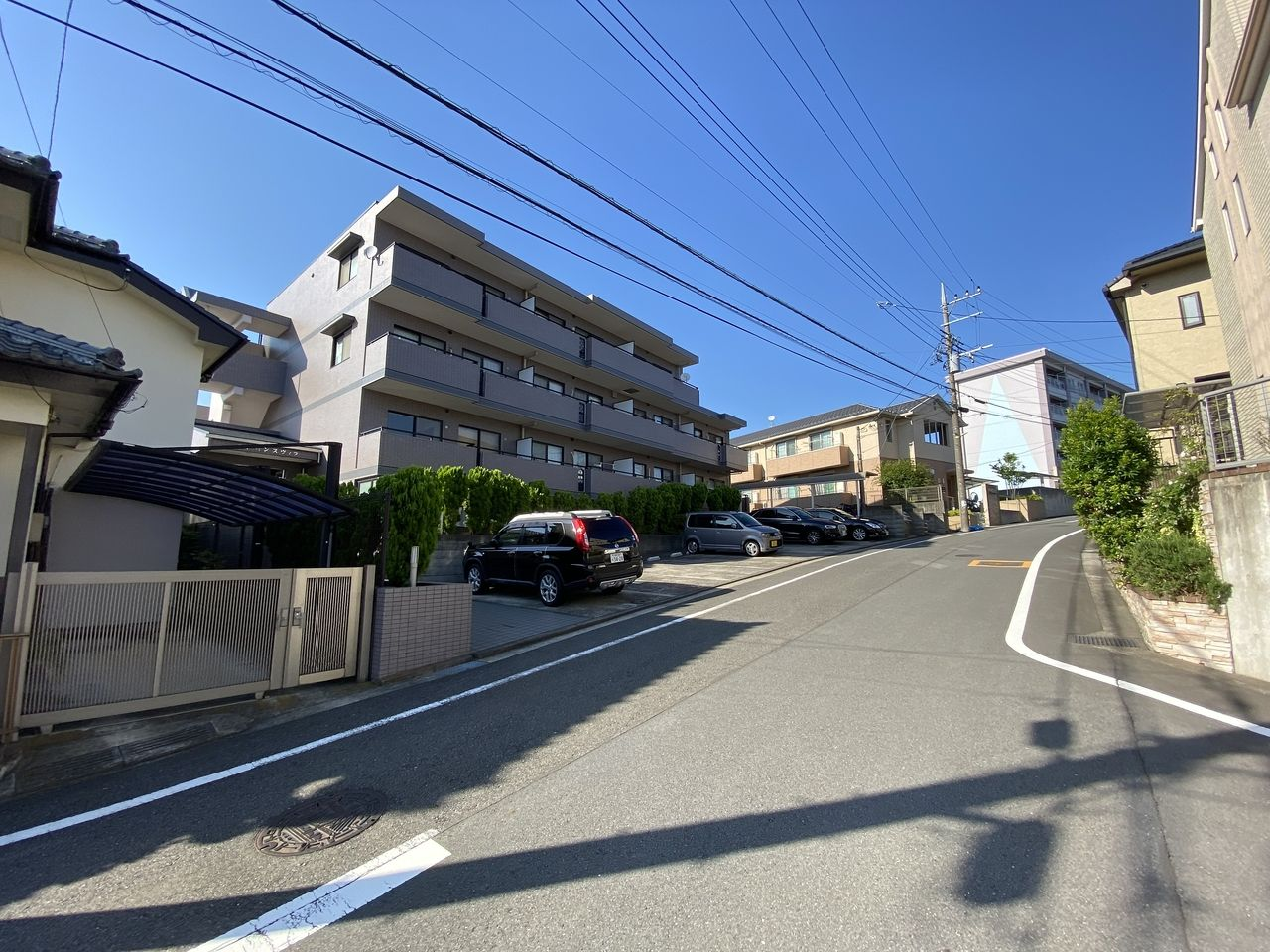 横浜市青葉区美しが丘4-22-5・「アドバンスヴィラ」建物外観