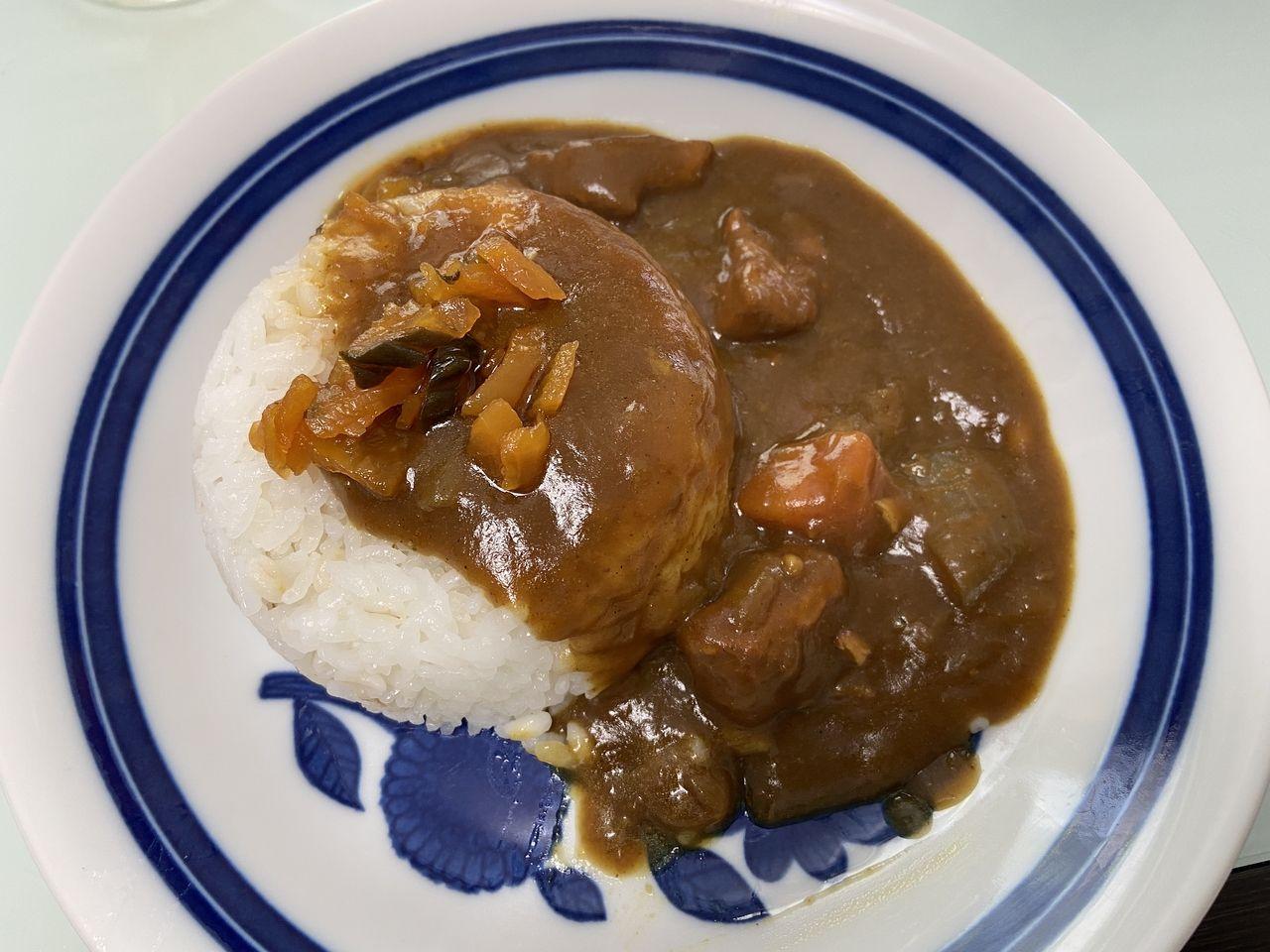 (この記事のブログ№7292)我が家のカレーのゴールデンカレー(S&Bエスビー食品株式会社)です。最近のお気に入りのルーです。うちのカレーは、みじん切りにしたショウガを炒めてから、玉ねぎ、肉、ニンジンと…