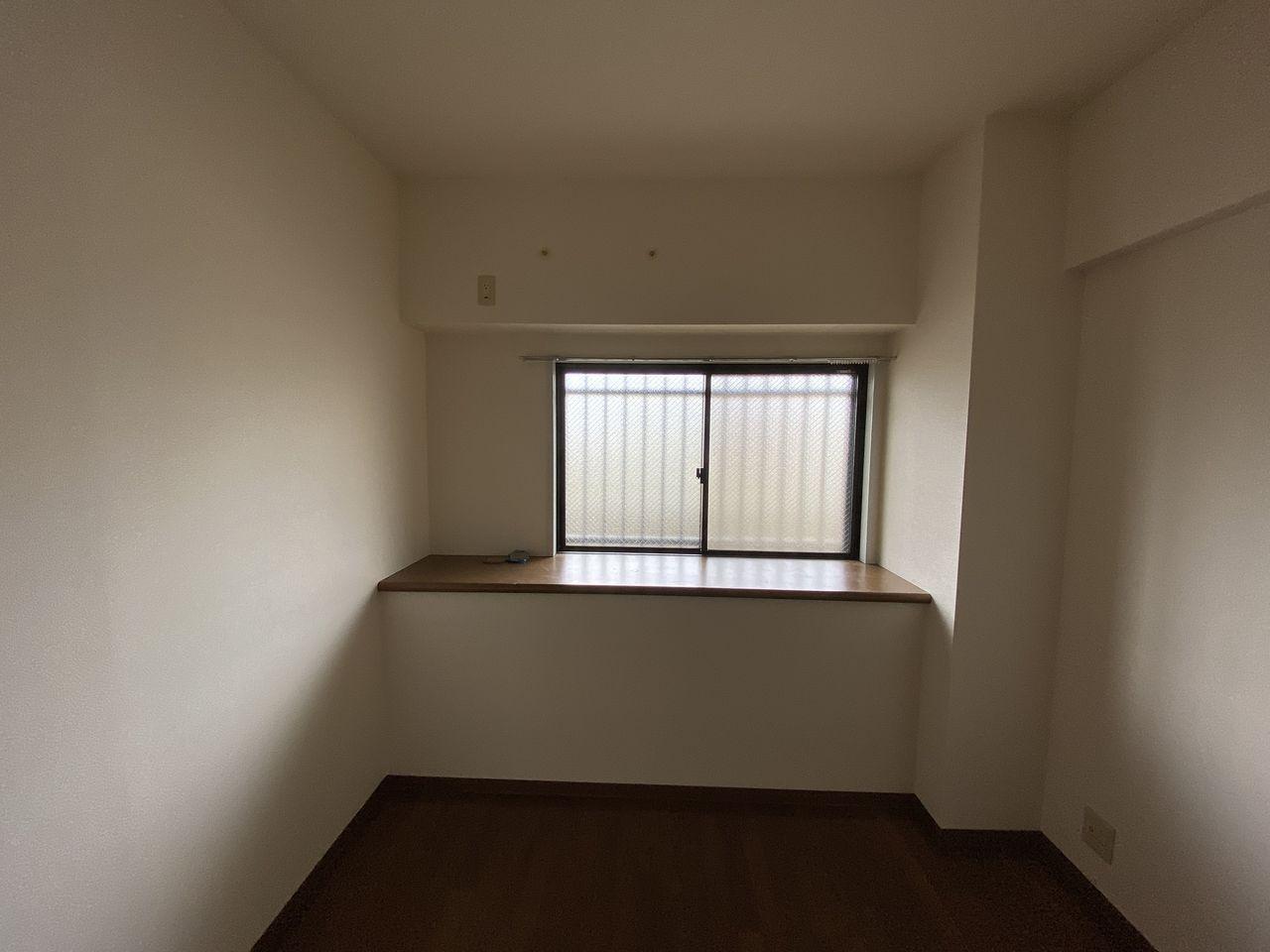 EV付たまプラーザ駅2分のマンションの第5正美ビルの玄関横洋室