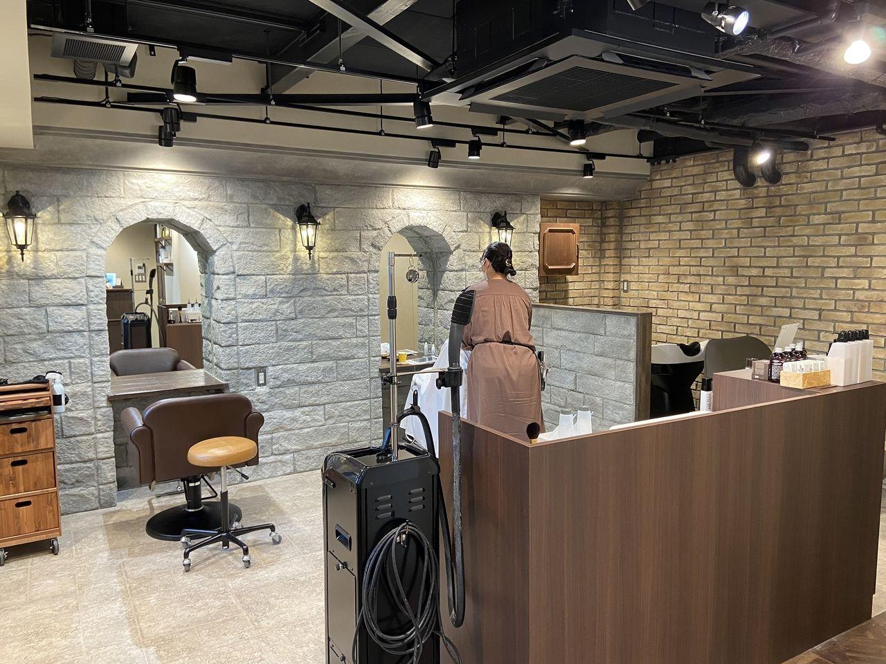 たまプラーザの美容室のMoi plus hair & head spa/モイ プラスに関しまして、たまプラーザ・あざみ野の貸店舗・貸事務所・賃貸マンション・たまプラーザ団地が得意なクーパーズ不動産のページでご紹介でご紹介。