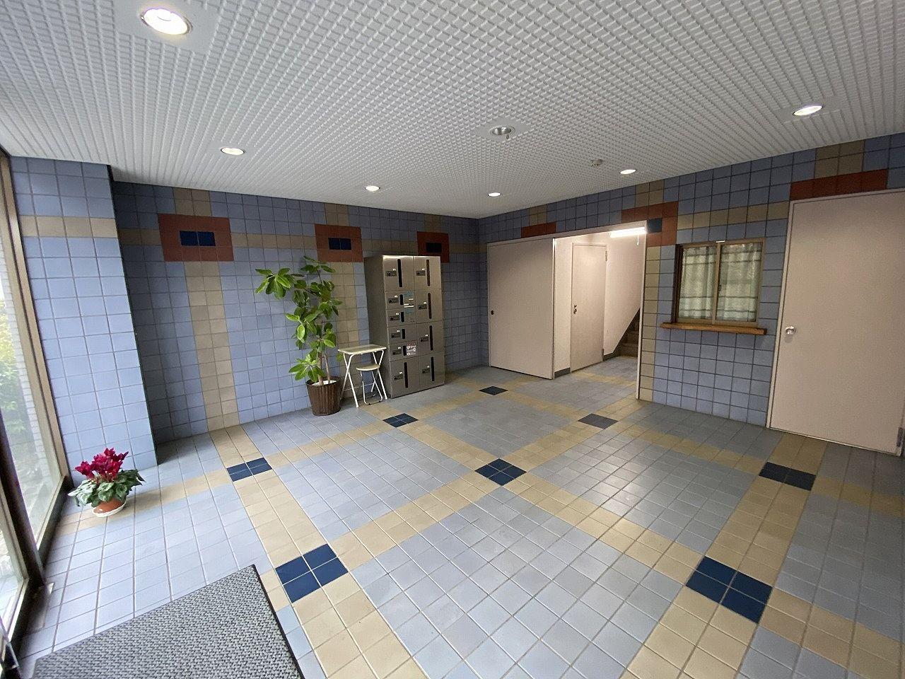 90㎡超えの大型賃貸マンション・ポルテールあざみ野のエントランスホール