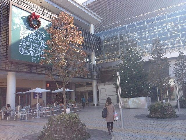 2013年末 たまプラーザ駅北口のクリスマスの様子です。